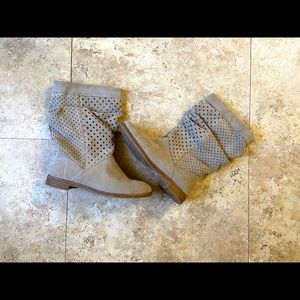 Toms Mid Calf  Slouchy Suede Beige Boots Size 5